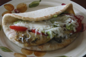 Avocado Chicken Pita Recipe